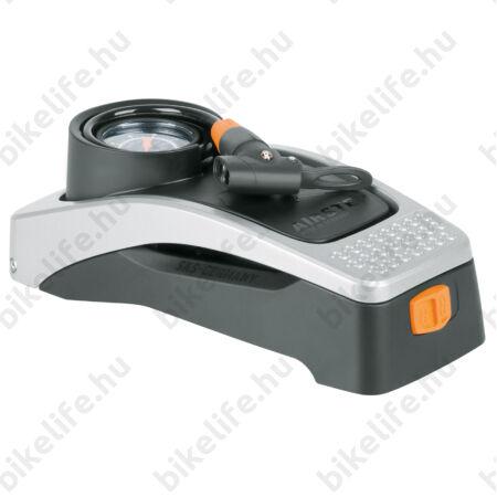 SKS Airstep lábpumpa 7bar teljesítmény, hosszú, spirál tömlővel, nyomásmérővel